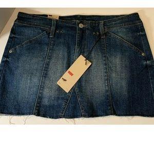 Levi's 4309 Medium Blue Wash Cut Off Denim Jean